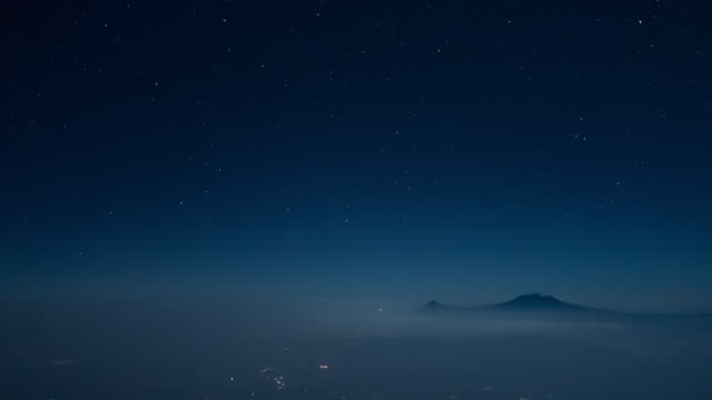 乞力馬札羅山 坦尚尼亞 月光駕駛艙 pov 時移 - 航拍 個影片檔及 b 捲影像