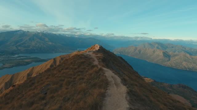 vídeos y material grabado en eventos de stock de mt roy, vista aérea - nueva zelanda