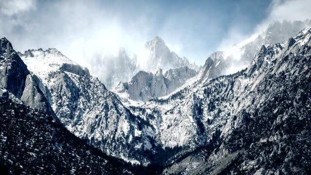 山ホイットニー東部シエラ時間の経過 - カリフォルニアシエラネバダ点の映像素材/bロール