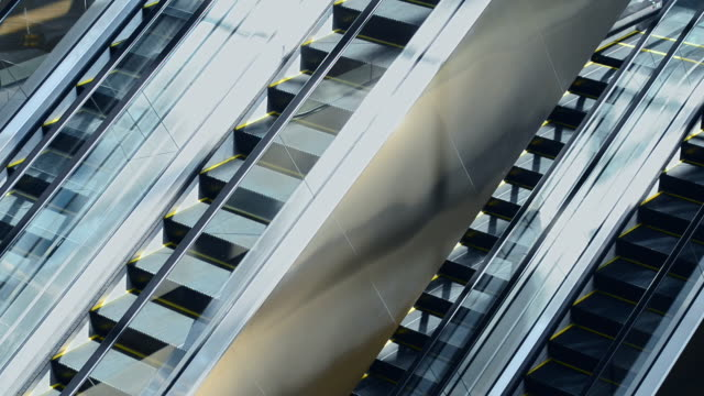 più fasi - escalator video stock e b–roll