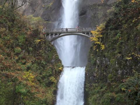PAL Multnomah Falls Waterfall in Oregon US