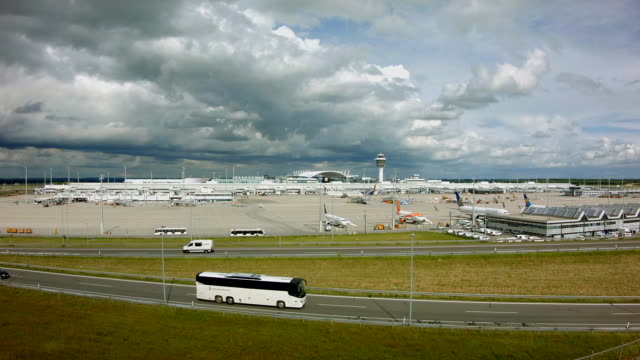 Munich Airport runway time lapse