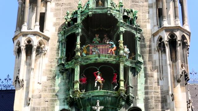 Munich, Glockenspiel