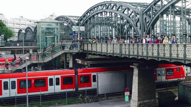 münchen tågstation - munich train station bildbanksvideor och videomaterial från bakom kulisserna
