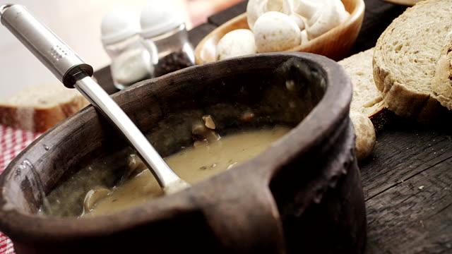 Mushroom soup video