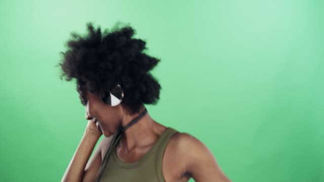 musik får dig att komma till liv - afro bildbanksvideor och videomaterial från bakom kulisserna