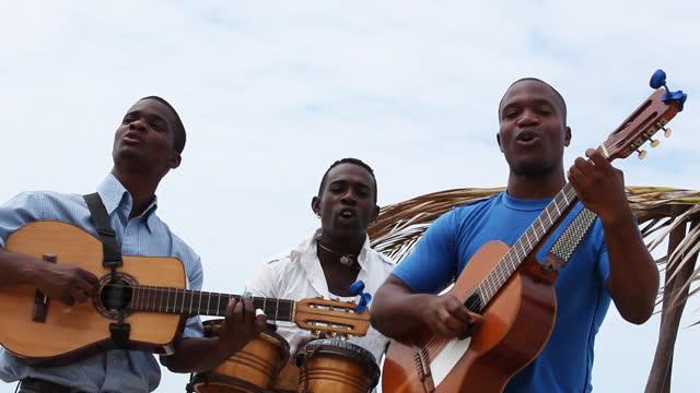 Musicians Tropic video