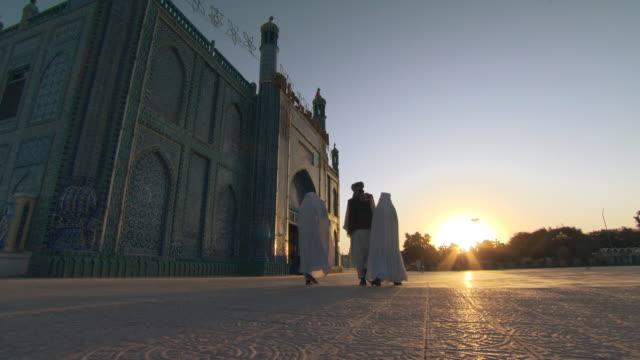 Muslim morning prayer. Blue Mosque in Afghanistan. video