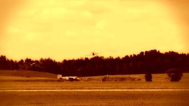 p - 51 mustang bassa 24_3s fx - mustang video stock e b–roll