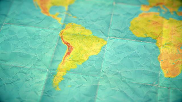 vídeos de stock, filmes e b-roll de versão em branco do mapa - zoom na américa do sul - mundo silenciado cores vintage - brazil map