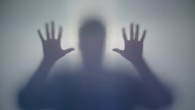 Mysterious silhouette frightens with sharp moves, supernatural video