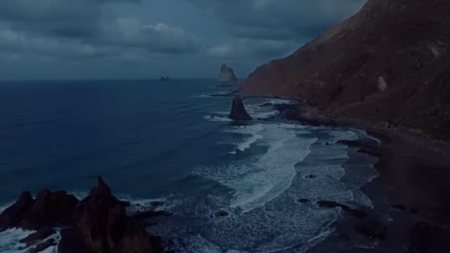Mystical atmosphere before the storm in the open ocean on the edge of the earth video