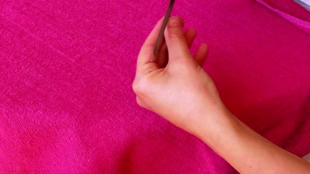 vidéos et rushes de des ongles - cuticule