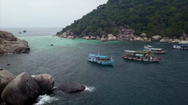 nang yaun island diving drone video ko tao, ko pha-ngan district, surat thani, thailand - indochina stock-videos und b-roll-filmmaterial
