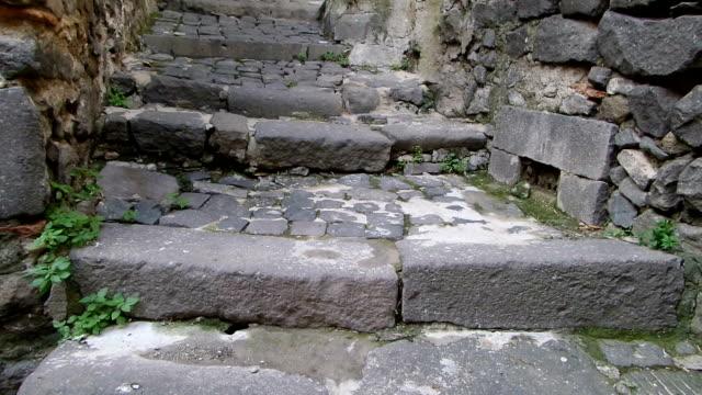 smal gränd bracciano italien - stenhus bildbanksvideor och videomaterial från bakom kulisserna