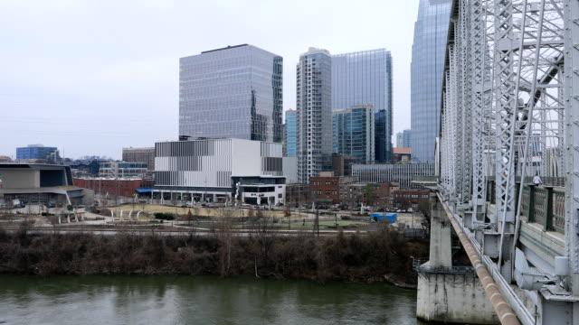 Nashville, het centrum van de stad van Tennessee en de rivier van Cumberland video