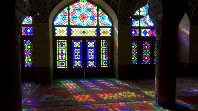 ナシル サバハ mulk モスクシラーズ、イランます。ピンクのモスク - モスク点の映像素材/bロール