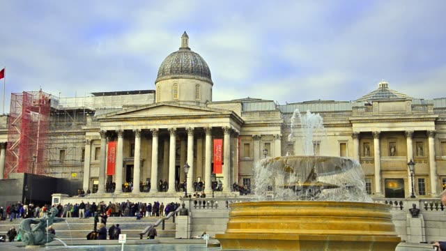 national gallery and trafalgar square fountain at day in london, united kingdom - museo video stock e b–roll