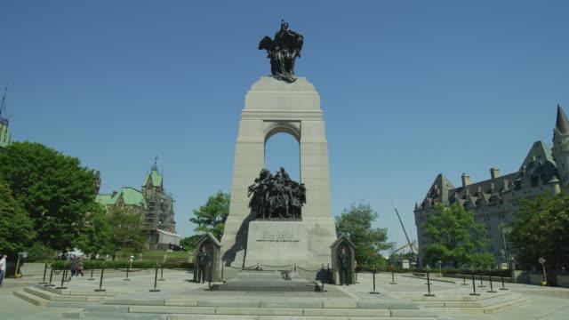 национальный военный мемориал в оттаве - онтарио канада стоковые видео и кадры b-roll
