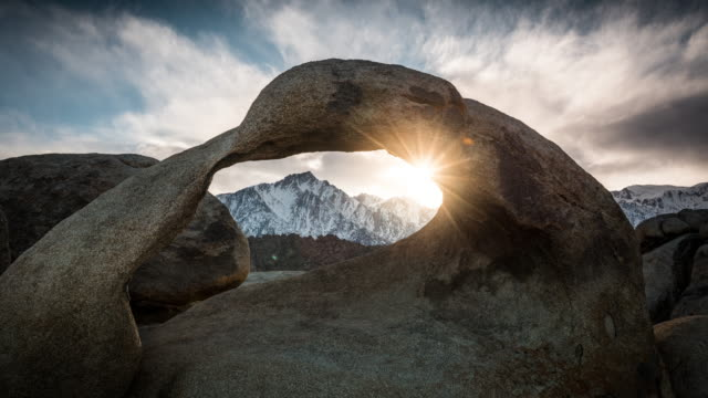 TIME LAPSE: Natural Arch Mobius Arch at Alabama Hills video