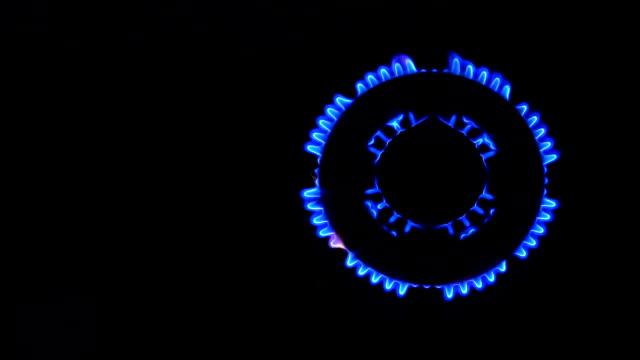 doğal gaz inflamasyon - bunsen beki stok videoları ve detay görüntü çekimi