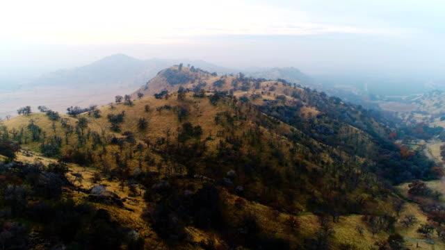 カリフォルニアのシエラネバダの自然 - カリフォルニアシエラネバダ点の映像素材/bロール