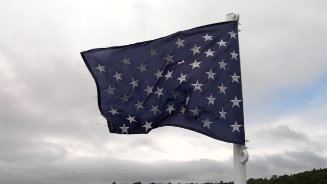 nautiska flaggan flyger i vinden - fornhistorisk tid bildbanksvideor och videomaterial från bakom kulisserna