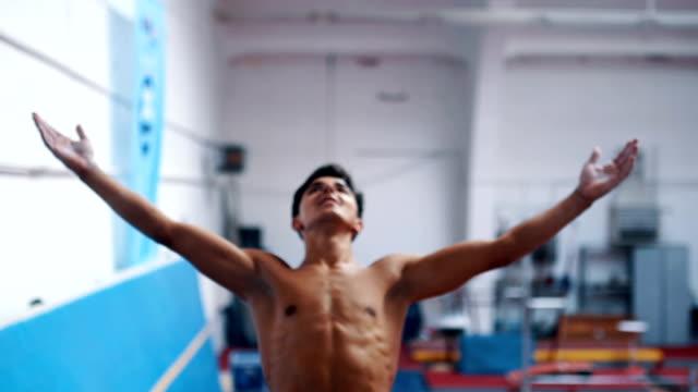 リラックスが必要 - 体操競技点の映像素材/bロール