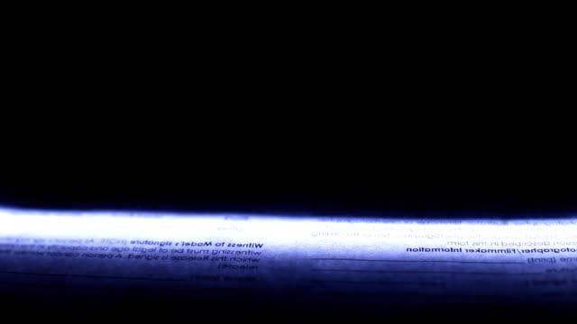 vídeos y material grabado en eventos de stock de lámpara de neón foto escáner se mueve de arriba a abajo con documento - escáner plano