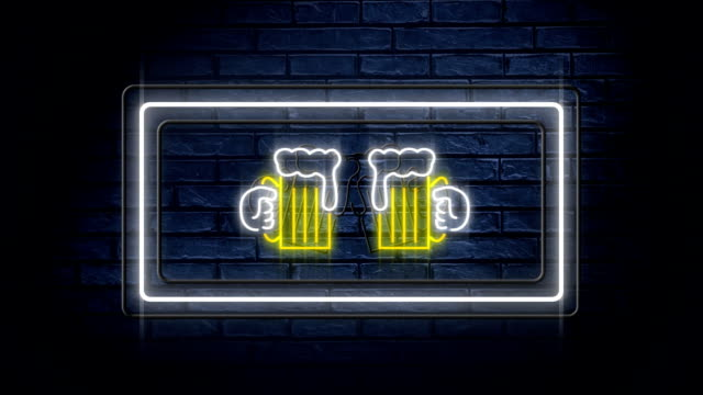 neon sign showing chinking beer glasses in flashing frame - happy hour video stock e b–roll