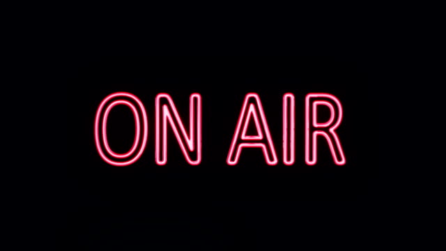 vídeos de stock, filmes e b-roll de com a placa em néon ligar - flutuando no ar