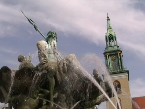 Neptun Fountain in Berlin 'Alexander Platz' Square video