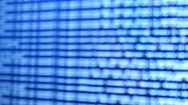 stockvideo's en b-roll-footage met netwerk opnemen voor de mededeling van de gegevens. - boomstam