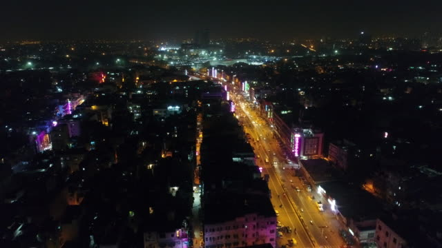 new delhi city in india from the sky and night - nowe delhi filmów i materiałów b-roll