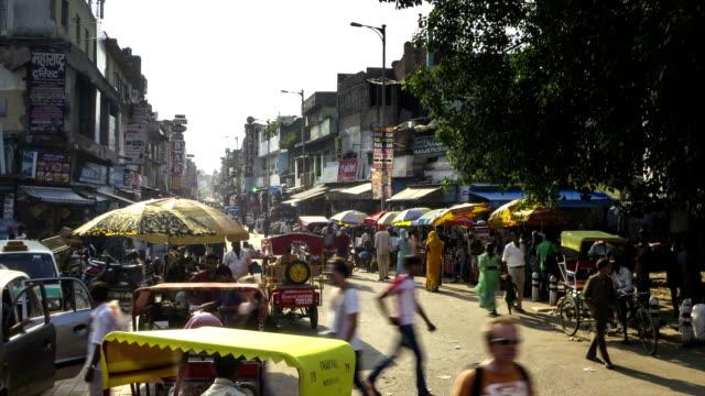 vídeos de stock, filmes e b-roll de nova delhi pahar ganj mercado intervalo de tempo - nova delhi
