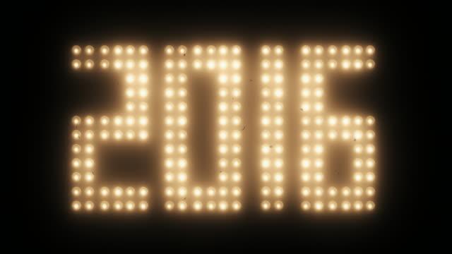 capodanno conto alla rovescia per 2016 con vecchia pellicola effetto - 2016 video stock e b–roll