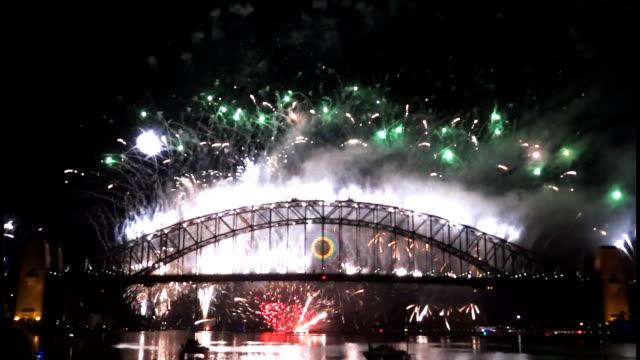 New Years Eve fireworks on Sydney Harbour Bridge at 60fps-7