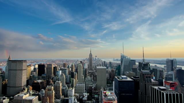 am abend in new york city manhattan empire state building wunderschönen - manhattan stock-videos und b-roll-filmmaterial