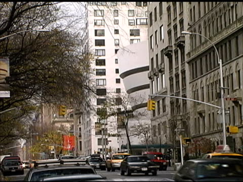 New York City: Fifth Avenue, Upper East Side Traffic video