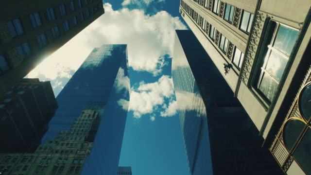 New York city Wolkenkratzer von der Straße – Video