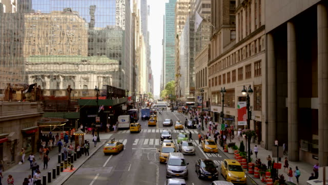 New York on Sunny Day with Many People on the Streets. video