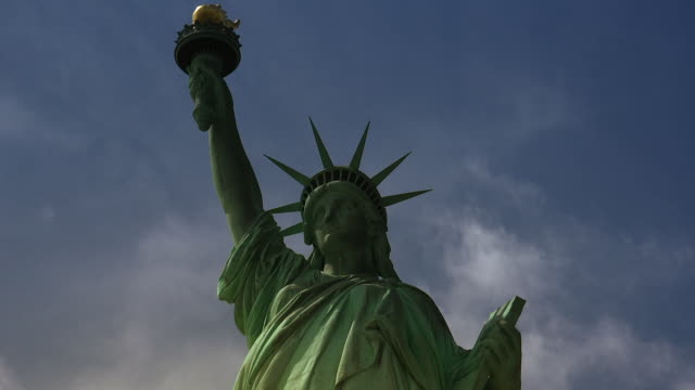 New York : Statue of Liberty, with clouds and effects, video