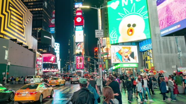 new york times square time lapse panorama - insegna commerciale video stock e b–roll