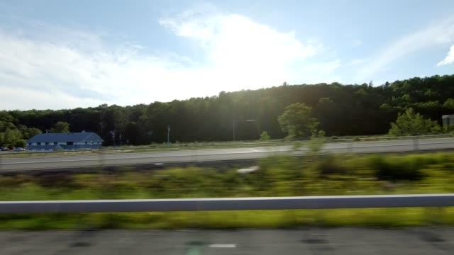 vidéos et rushes de new york xxiii gauche plaque de processus côté série conduite studio - vue latérale