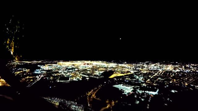 Newark Liberty Intl. Airport, Approach and Landing (POV Shot Nighttime)