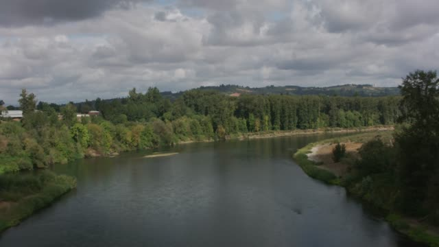 Newberg,   Aerial view of the Willamette River. video