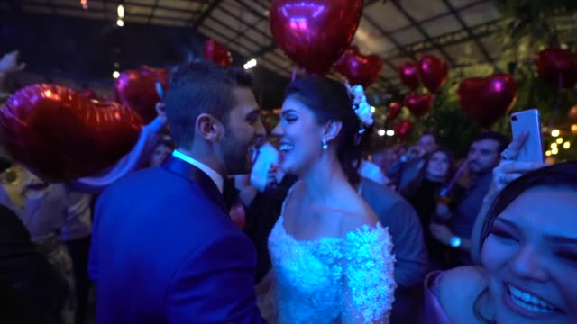 newlyweds dancing during the wedding party - video di matrimonio video stock e b–roll