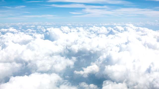 vidéos et rushes de nuages sur le ciel de nice - glisser