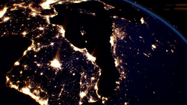 Nacht Städte aus dem Satellitenfernsehen.  Europa.  NASA Foto.  HD 1080. – Video
