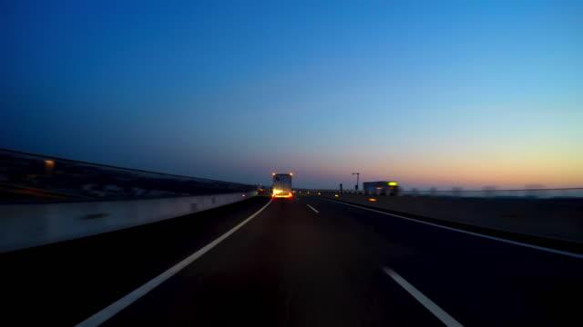 night city drive - droga wielopasmowa filmów i materiałów b-roll